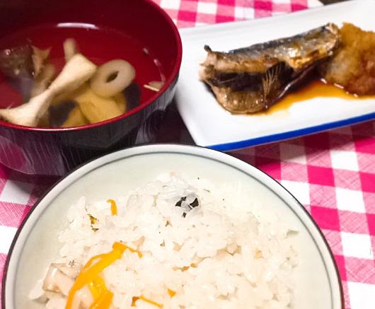 お吸い物の素で松茸風炊き込みご飯とお吸い物